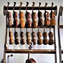 U houslaře