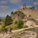 Čachtický hrad na kolech