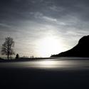 Krajina v černobílé zimě