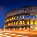 Římské koloseum po setmění
