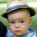 Prcek v klobouku