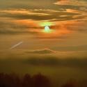 Slunce vstává s mlhou