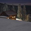 Vyšel měsíc a lyžařský Neklid hlásí klid.