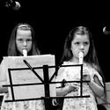 vystoupení malých flétnistek...