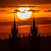 Svítání nad Týnem