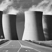 Chladící věže elektrárny (JETE)