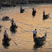 něco pro romantické duše...projížďka po Canal Grande při západu slunce :-)