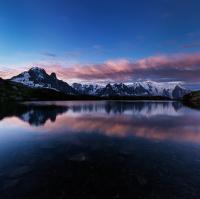Začínající den pod Mont Blancem