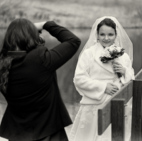 Nevěsta a fotografka.