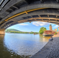 Pod mostem (složeno z 19 fotografii v Zoneru) :)