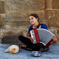 Albánská harmonikářka