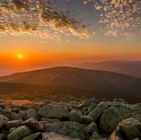 Východ slunce z nedělního rána