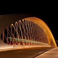 Tramvaj na mostě