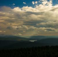 Vodní nádrž Souš z vrcholu hory Jizery