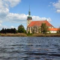 U kostela-Most