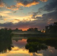 Západ slunce u vody