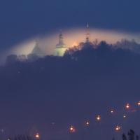 Svatá Hora v mlze.