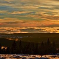 zimní barevný západ sluníčka