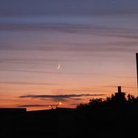 Měsíc při západu Slunce
