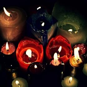 Při svíčkách