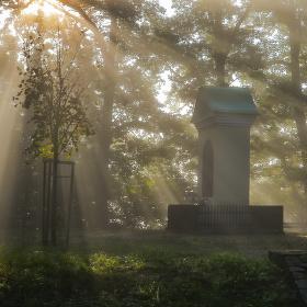 Na rozhraní slunce a mlhy