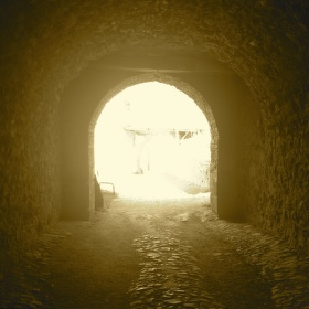 Za světlem, tunelem...