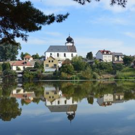 Počepice,kostel v rybníku.