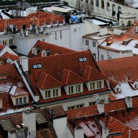 Pocukrované malostranské střechy