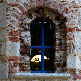 Okno do kostela