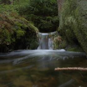 Lesní vodopád
