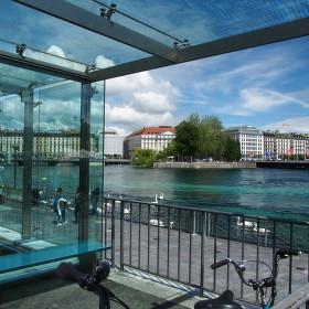 nevšední pohled na ženevské jezero