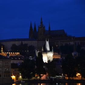 Pražský hrad v letní noci