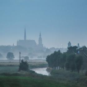 probouzející se Veurne