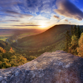 Slunný východ ze Slavenské vyhlídky