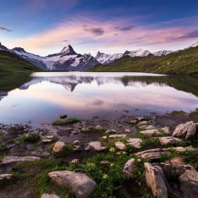 Začínající den v Alpách