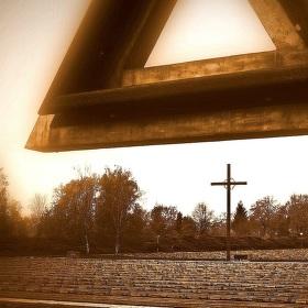 Pod křížem