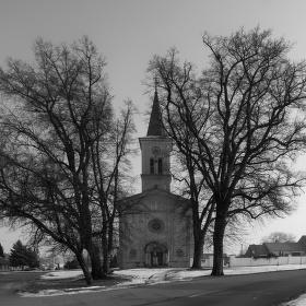 Farní kostel svatého Cyrila a Metoděje v Rostěnicích