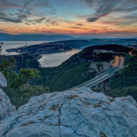 Bakar a Rijeka při západu slunce