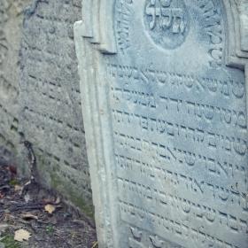 Opuštěný židovský hřbitov