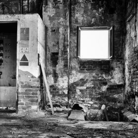 Ve staré továrně