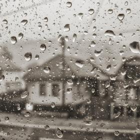 Ulice v dešti..