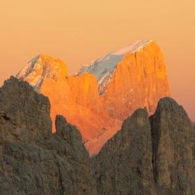 Marmolada v posledních slunečních paprscích - Dolomity