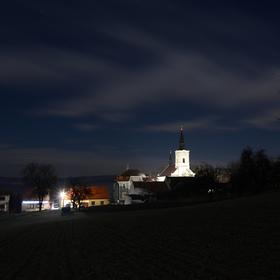 Noční vesnice