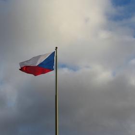 Vlajka ve větru.