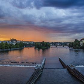 Bouře nad přažským hradem