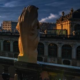 Ráno na terasách Zwingeru