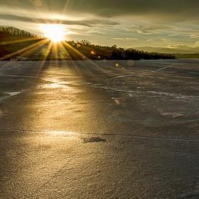 Zlatá hodinka - zamrzlá hladina žermanické přehrady