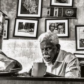 Majitel nejstarší kavárny v Galle /Černobílá Srí lanka/