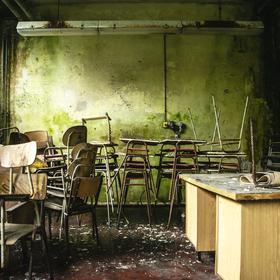 Opuštěná škola   Abandoned School