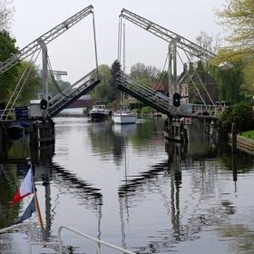 Na holandském kanálu